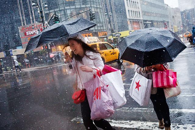 Shopping sous la pluie