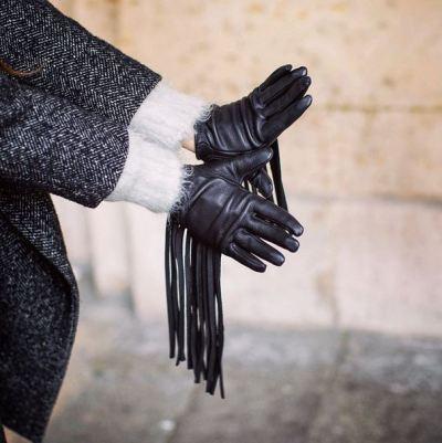 Betty Autier gants en cuir noirs à franges