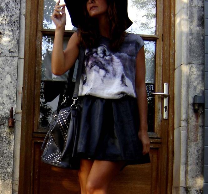 Outfit jupe patineuse noire en cuir blog le Dressing d'Alizée