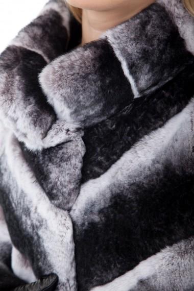 Détail de la fourrure en rex du spencer Almeria