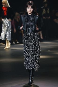 Blouson femme en cuir noir et détails métalliques YSL collection Automne-Hiver 2017